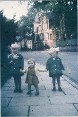 12130_1963_Waldstrasse_3_Maedchen.jpg